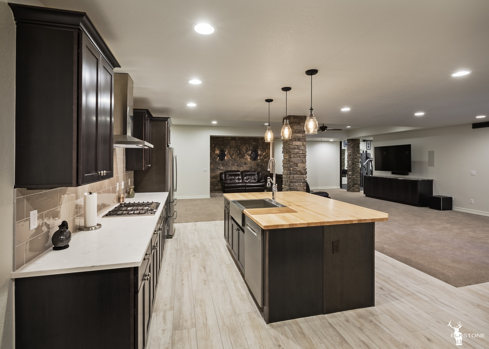 3044ElkCanyon-Kitchen-05